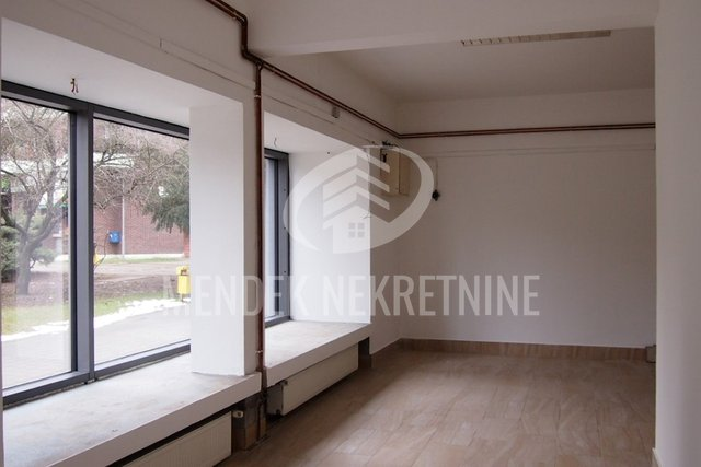 Commercial Property, 61 m2, For Sale, Čakovec