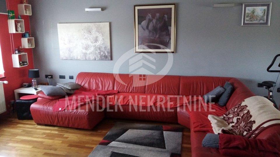 House, 350 m2, For Sale, Varaždin - Biškupec