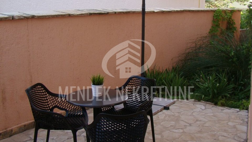 House, 600 m2, For Sale, Vir