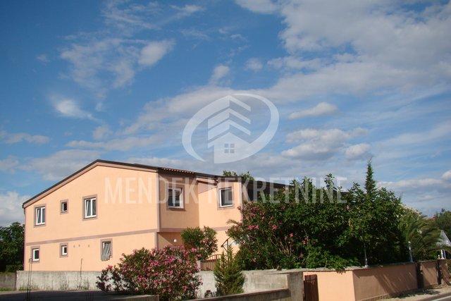 House, 600 m2, For Sale, Vir