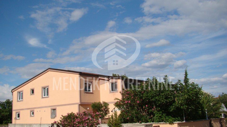 Haus, 600 m2, Verkauf, Vir