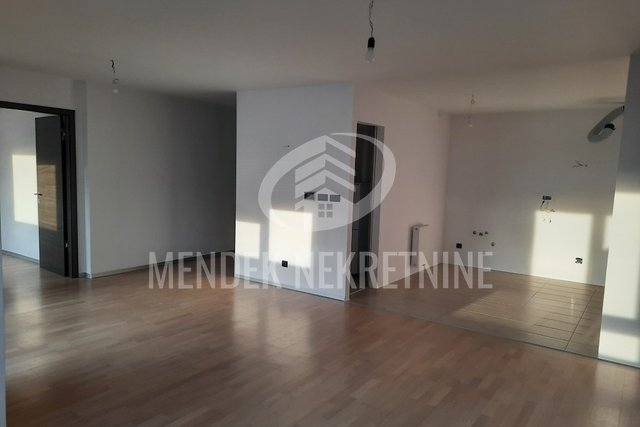 Commercial Property, 97 m2, For Rent, Varaždin - Centar