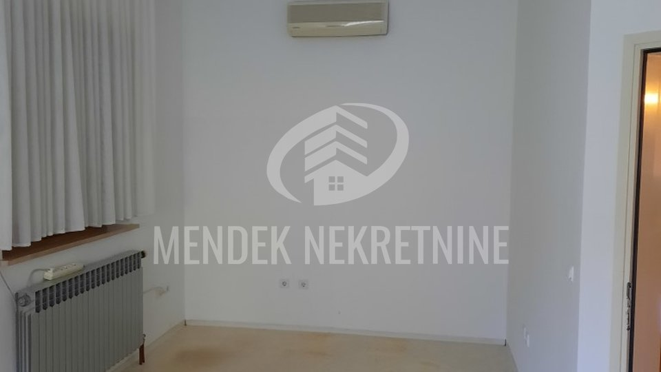 Commercial Property, 82 m2, For Rent, Varaždin - Centar
