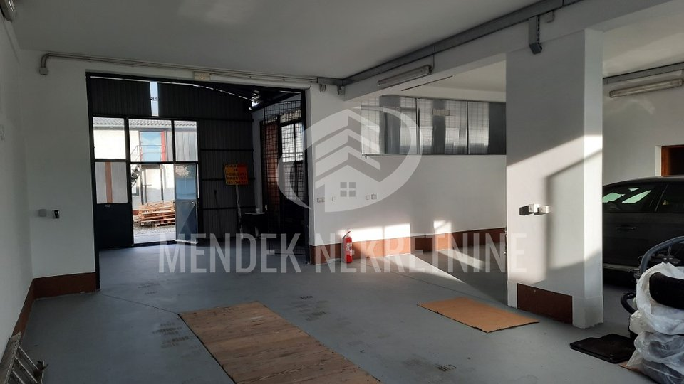 Commercial Property, 401 m2, For Sale, Varaždin - Biškupec