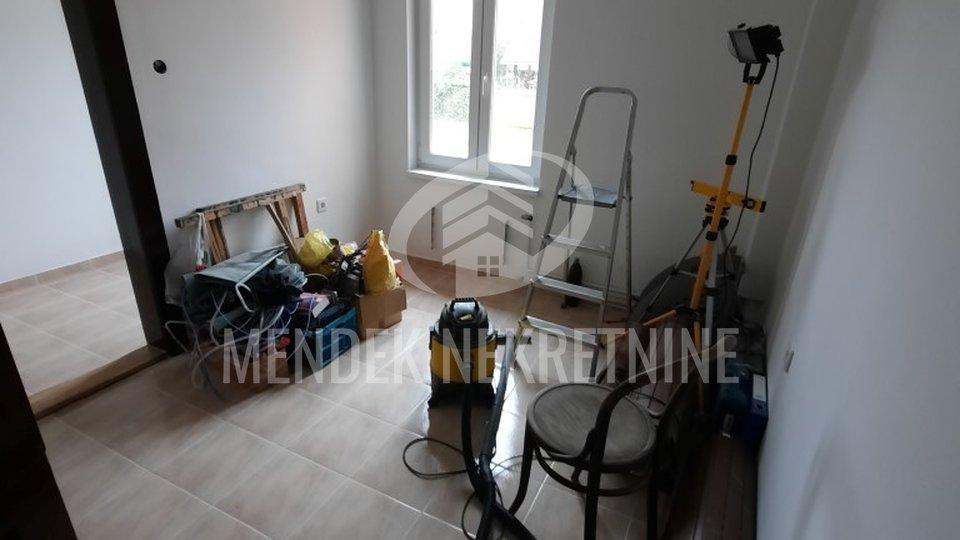 Commercial Property, 150 m2, For Rent, Varaždin - Centar