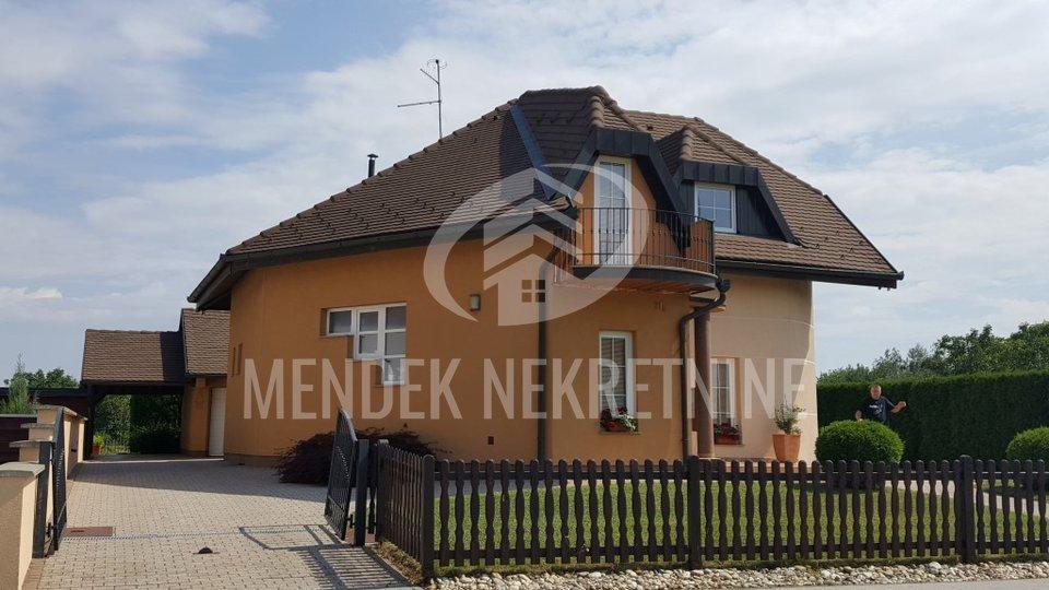 House, 250 m2, For Sale, Varaždin - Biškupec