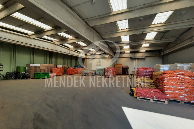 Commercial Property, 1800 m2, For Rent, Varaždin - Texas
