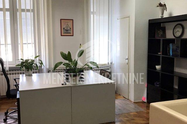 Commercial Property, 42 m2, For Rent, Varaždin - Centar