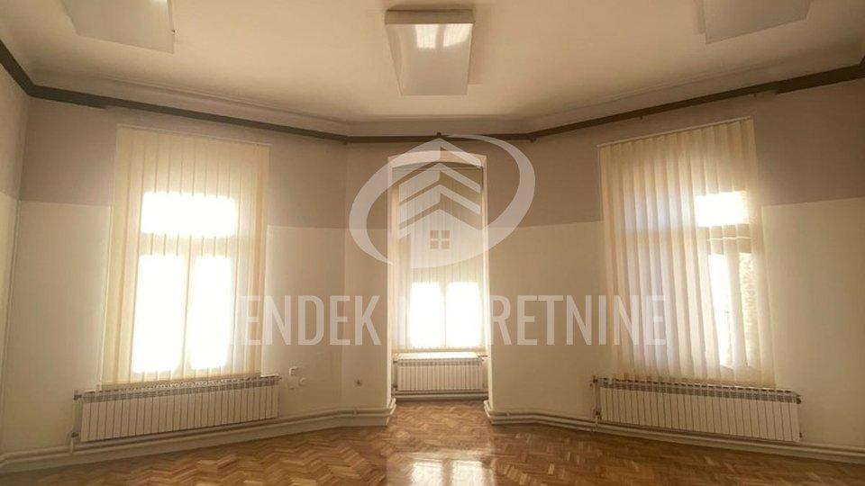 Commercial Property, 30 m2, For Rent, Varaždin - Centar