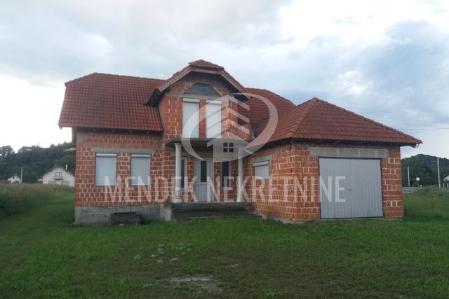 Hiša, 400 m2, Prodaja, Gornje Vratno