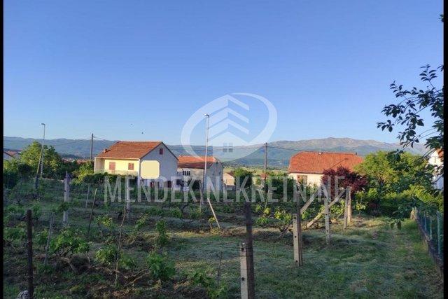 Zemljišče, 1600 m2, Prodaja, Sinj