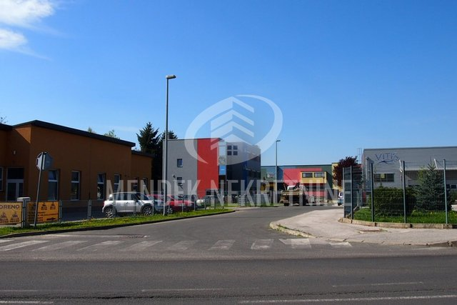 Commercial Property, 424 m2, For Sale, Varaždin - Jalkovec